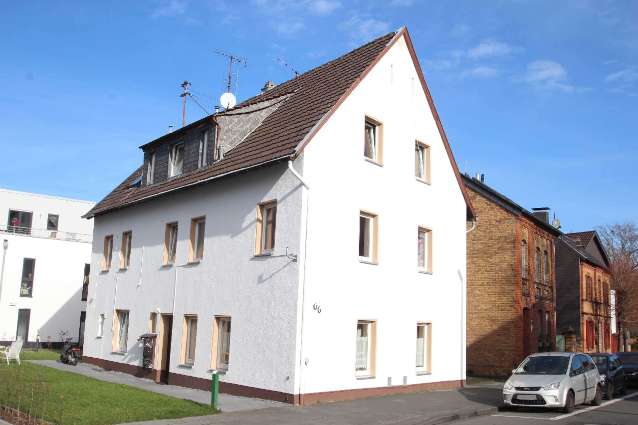 RESERVED! House with 6 rental parties in a central location in Sankt Augustin-Hangelar