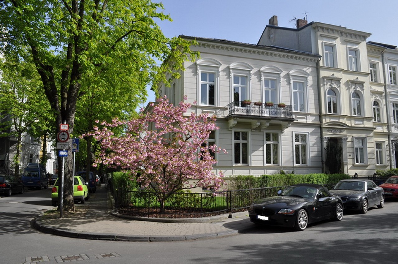 RENTED! Well-furnished 'Bel Etage' in a prime location in Bonn's southern part of the city