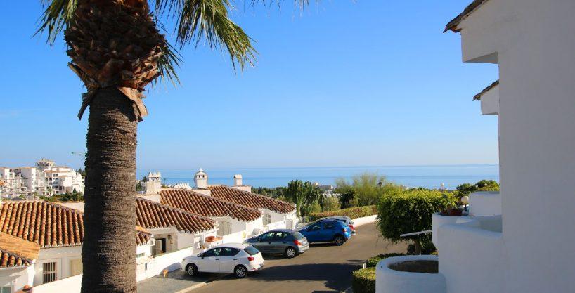 Topgepflegtes Reihenhaus in Meerblicklage von Calahonda (15 km von Marbella)